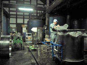 小澤酒造の酒蔵の様子