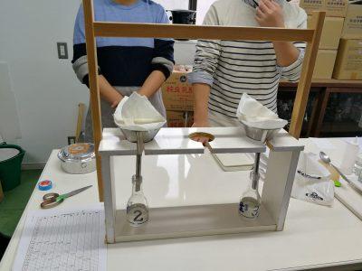 日本酒の醸造具合を計る機材です。